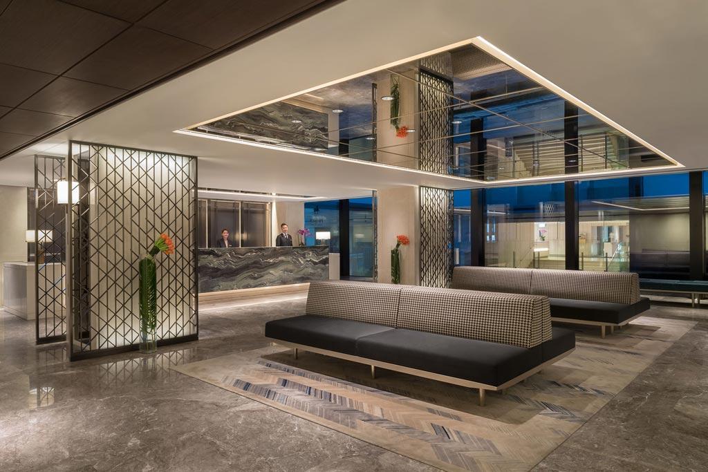馬哥孛羅酒店乃九龍倉酒店的旗下酒店,均為九龍倉集團的全資附屬機構。九龍倉集團紮根香港,是一間顯赫的香港上巿公司,核心投資項目包括地產投資、通訊及貨櫃碼頭運作。